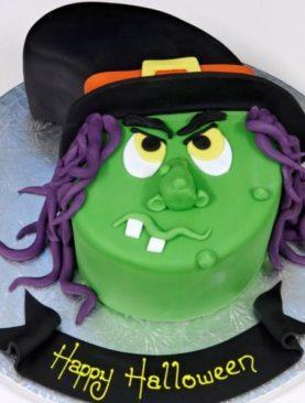 Tort Halloween vrajitoare