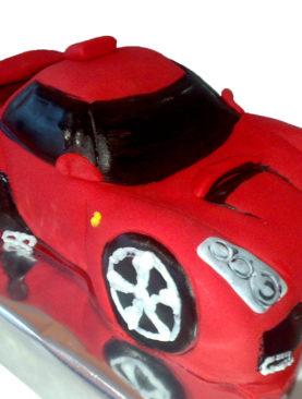 Tort masina Ferrari